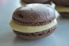 Passion 4 baking » Sjokolade macarons med Suksesskrem