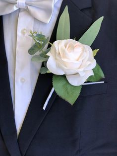 Ivory Blush Pink Rose Eucalyptus Artificial Boutonniere 💕gorgeous shade of ivory blush pink silk flowers for mens wedding boutonnieres 💕Premium wedding quality artificial flowers and eucalyptus greenery 💕every boutonniere comes with a pearl head pin Groomsmen Wedding Photos, Groom And Groomsmen, Blush Roses, Purple Roses, Blush Pink, White Rose Boutonniere, Reception Table Decorations, Lapel Flower, Small Bouquet
