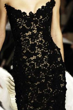 Beautiful Fashion Details...Oscar de la Renta._n