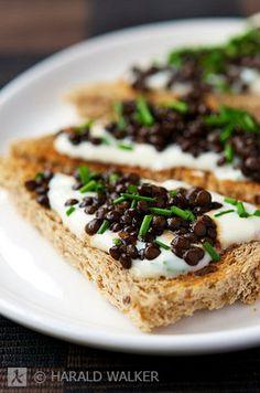 Beluga Lentil Toast Points with Chive & Garlic Soy Yogurt   #vegan via Vegalicious