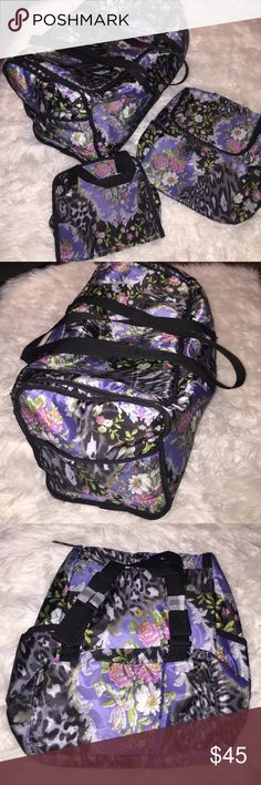 4 Piece Vintage Travel set - NEW Super cute floral vintage travel set. Set includes: over night bag that features side pockets and spacious interior, matching Mini book bag with convenient adjustable straps, makeup holder with detachable make up bag. Any questions, please ask before purchase. Never used, NWOT. Bags Travel Bags