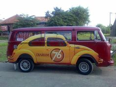 Beetle Painted on VW Volkswagen: Pictures of Gorgeous VW Bus Art Paintings ~ vintage everyday Volkswagen Transporter, Volkswagen Bus, Kombi Trailer, Carros Vintage, Carros Vw, Bus Art, Vw Camping, T2 T3, Custom Trailers