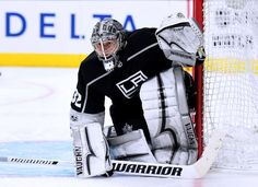 LOS ANGELES, CA - OCTOBER 11: Jonathan Quick #32 of the Los Angeles Kings in goal against the Calgary FlameCalgary Flamesat Staples Center on October 11, 2017 in Los Angeles, California. (Photo by Harry How/Getty Images)