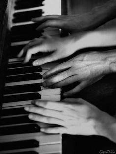 Four hands piano concert