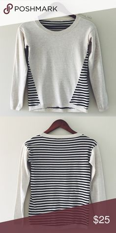 🆕 Unique Striped Sweater Unique Striped Sweater -Perfect casual sweater. Pair with denim jeans.  -No tag. Stripped on back. Long sleeves. Boat neck. -No tag for care instructions or fabric composition. -XS fits sizes 0-2. -Minor pilling, otherwise good condition. 📸: inna_lala Sweaters Crew & Scoop Necks