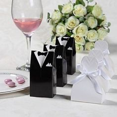 Classy Berkat Couple Theme Favor Boxes