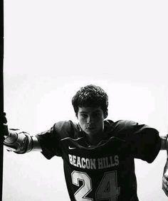 Teen wolf stiles stilinski 24 (dylan o'brien) - Teen Shirts - Ideas of Teen Shirts - Teen wolf stiles stilinski 24 (dylan o'brien) Teen Wolf Boys, Teen Wolf Dylan, Teen Wolf Stiles, Teen Wolf Cast, Teen Wolf Lacrosse, Stiles Derek, Girls Lacrosse, Mtv Movie Awards, Tenn Wolf