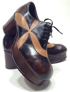 51 Pretty Street High Heels You Should Own - Shoes Fashion & Latest Trends Nike Fashion, 70s Fashion, Fashion Boots, Vintage Fashion, 70s Shoes, Mode Shoes, Vintage Shoes, Vintage Men, Vintage Purses