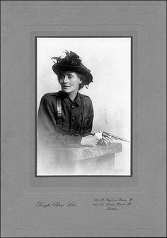 Bureau of Military History Countess Markievicz in I. Ireland 1916, Wild Irish Rose, Easter Rising, Saints And Sinners, Film Images, Katharine Hepburn, Great Leaders, Women In History, Military History