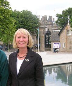 Best tour guides: Rosie Peattie  Royalty in Edinburgh