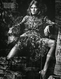 Malgosia Bela por Craig McDean para Vogue Italia Outubro 2014 | Givenchy by Riccardo Tisci Dress