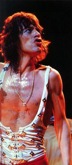 Mick Jagger wore throughout the were designed by Ossie Clark. Rock And Roll Bands, Rock Bands, Rock N Roll, Metal Bands, Mick Jagger Rolling Stones, Moves Like Jagger, Stone World, Rolling Thunder, Sing To Me
