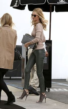 Rosie Huntington-Whiteley wearing Elizabeth and James Beverly Sunglasses, Current/Elliott the Ankle Skinny Pants, Balenciaga Open Toe Slingback, Chloe Lucy Houndstooth Tweed Bag, Dolce & Gabbana Dg4156 Sunglasses and Alexander Wang Beige Sheer Rib Long Sleeve Top.