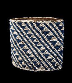 Vanuatu - Malampa, Malekula Island | Armband; natural fiber and European white and blue glass beads | © Musée du quai Branly Vanuatu, Textiles, Ethnic Jewelry, Jewellery, Drawing Practice, Indigo Blue, Tribal Art, Ethnic Fashion, Writing A Book