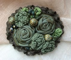 Brooch The Frog-Princess by squerrelbench on Etsy