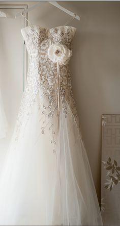 gorgeous wedding dress // nerida mcmurray photography