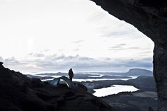 #Climbing at #Hanshelleren in #Flatanger, #Norway. Rocks all over, but you don't need soft ground to fix the #tent, #ReinsfjellSuperLight to the ground.