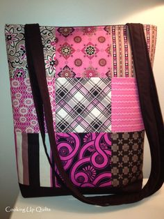 Nine Patch Totebag with Zipper Closure Materials: 1 Charm Pack OR 18 – 5″ Squares 1 yd coordinating fabric (lining and handles) 1 – 17″ or longer zipper 1/2 yd Interfacing o…