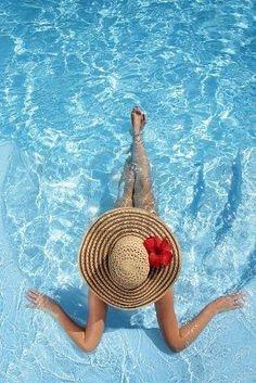 La Suite dans les Idées Pool Poses, Beach Poses, Pool Fotografie, Summer Of Love, Summer Time, Summer Beach, Sunny Beach, Enjoy Summer, Summer Ideas