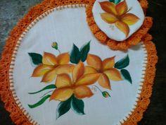 cubre bandeja circular, pintado a mano con capuchon para cubrir jarra