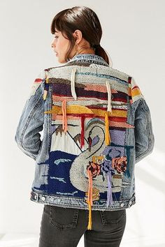 Shop BLANKNYC Liquid Summer Embroidered Denim Trucker Jacket at Urban Outfitters today. We carry all the latest styles, colors and brands for you to choose from right here. Fashion Sewing, Denim Fashion, Fashion Tips, Embroidered Denim Jacket, Blank Nyc, Costume, Textiles, Refashion, Coats For Women