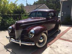 1940 Ford De Luxe Tudor sedan