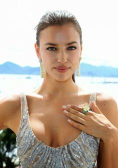 MODEL | IRINA SHAYK | More hot models at http://sexy-calendars.net