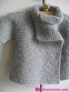Knitting Patterns for Baby Thirsty Rose baby sweater pattern. Nx i want one in m… Knitting Patterns for Baby Thirsty Baby Knitting Patterns, Baby Sweater Patterns, Baby Boy Knitting, Knitting For Kids, Hand Knitting, Knitted Baby, Knit Baby Sweaters, Knitting Machine, Strick Cardigan