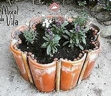 Amazing DIY garden decor with roof tiles See beautiful tips for making a garden decoration with tiles. You will simply love them. They are incredible crafts and decoration and easy to do. Pinterest Crafts, Roof Tiles, Diy Garden Decor, Clay Pots, Garden Planters, Garden Tiles, Planter Pots, Dream Garden, Garden Projects