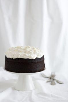Guinness cake. Di torte al cacao ne ho preparate (tante) e mangiate (molte di più) ma la bontà di questo dolce è qualcosa che bisogna provare per credere!