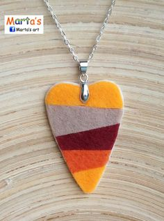 felt necklace--makes me think of Amy.  Needs to be purple though.