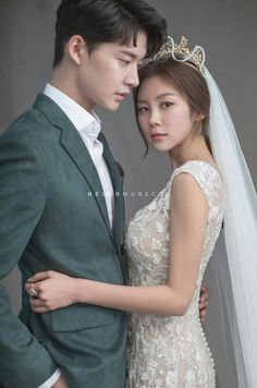 All of this looks so great Wedding Outdoor Pre Wedding Poses, Pre Wedding Photoshoot, Wedding Couples, Korean Couple Photoshoot, Korean Wedding Photography, Wedding Couple Poses Photography, Foto Wedding, Couple Posing, Wedding Styles