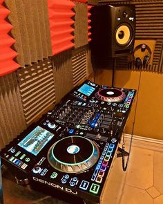 Click the link in our bio to win a setup like this of your own. Music Recording Studio, Music Studio Room, Recording Studio Design, Studio Setup, Music Rooms, Electro Music, Dance Music, Dj Setup, Gaming Setup