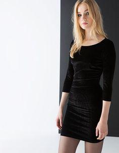 Bershka España - Vestido Bershka entallado terciopelo brillo