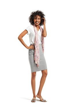 Do you love casual and fun? This IS the outfit for you... oh and did I mention the skirt is reversible? To a wonderful bright