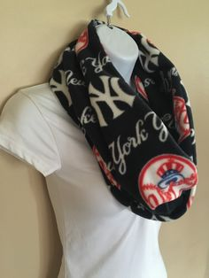 New to Sewdivine77 on Etsy: New York Yankees infinity fleece scarf (15.00 USD)