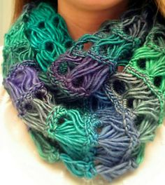 Crochet broomstick lace infinity scarf. Free pattern and videos for right and left-handed crochet. Requires crochet hook size US I and one size US 50 knitting needle.