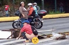 Carola Chávez /// Rehenes de la locura