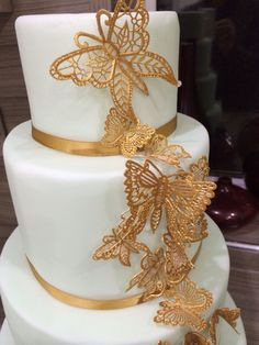 7 Mind-Blowing Reasons Why Wedding Cake Butterfly Decorations Is Using This Technique For Exposure - 7 Mind-Blowing Reasons Why Wedding Cake Butterfly Decorations Is Using This Technique For Exposure - wedding cake butterfly decorations Butterfly Wedding Cake, Butterfly Cakes, Butterfly Decorations, Metallic Cake, Gold Cake, Beautiful Cakes, Amazing Cakes, Sweet 16, Quinceanera Cakes