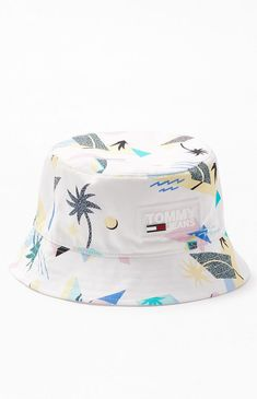 Get summer-ready with this fresh Tommy Jean hat. The Surf Bucket Hat features a custom tropical print and a comfortable lightweight construction. Cute Hats, Womens Fashion Online, Types Of Shoes, Fashion Boots, Style Fashion, Bucket Hat, Buffalo Check, Fashion Stores, Fashion Brands