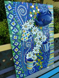 42 Best Mosaic Projects to Beautify Every Corner of Your Space - decortip Mosaic Garden Art, Mosaic Pots, Mosaic Wall Art, Tile Art, Mosaic Glass, Mosaic Tiles, Glass Art, Glass Tiles, Stained Glass