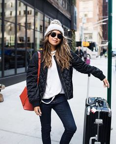 Après Ski Style - Love the 'city meets mountains' look