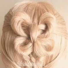 Love this simple but adorable style by @braidsglamour❤️ Tag a friend  that would love this style! #cghvideofeature