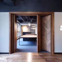 Home Decor Kitchen, Room Interior, Interior Design Living Room, Best Wardrobe Designs, Exterior Sliding Glass Doors, Oak Furniture House, Dressing Room Design, Family Room Design, Modern House Design