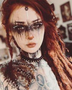 Oh my god, isn´t she stunning? I love the makeup from Perfect for LARP and Cosplay ideas.   Oh my god, isn´t she stunning? I love the makeup from Perfect for LARP and Cosplay ideas. Witch Makeup, Fx Makeup, Makeup Inspo, Makeup Inspiration, Hair Makeup, Makeup Ideas, Zombie Makeup, Makeup Geek, Voodoo Makeup