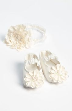 #PLH Bows & Laces         #Baby Accessories         #Bows #Laces #Headband #Crib #Shoes #(Baby) #Antique #White                   PLH Bows & Laces Headband & Crib Shoes (Baby) Antique White                                             http://www.snaproduct.com/product.aspx?PID=5320396