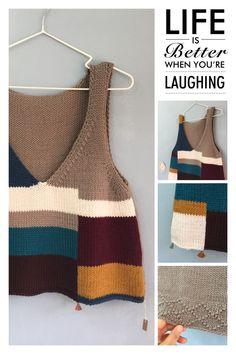 이정도면 정리 수준이 아닌 집착? 뜨다만 실까지 풀어 쓰는 알뜰함까지....새 실도 있는데....병이다 싶다.... Color Blocking, Colour Block, Life Is Good, Knit Crochet, Diy And Crafts, Reusable Tote Bags, Vest, Embroidery, Knitting