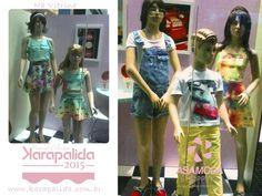 Vitrine da Karapalida, do shopping Asa Mosa, preparada para apresentar as novidades lindas que chegaram! Jardineira, looks para os meninos, vestidos estampados e os conjuntos candy que a gente ama!