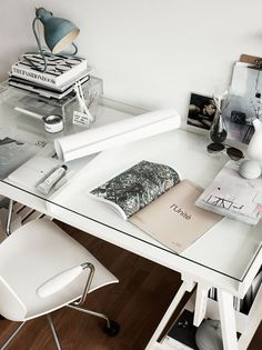 Minimal workspace. @thecoveteur