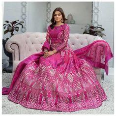 Hira Mani, Pakistani Actress, Bride Look, Pakistani Dresses, Looking Gorgeous, Fashion Brand, Ball Gowns, Fashion Dresses, Photoshoot
